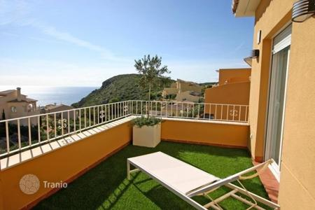 3 bedroom apartments for sale in Benitachell. 3 bedroom apartment with communal pool, solarium with panoramic sea-views and solarium in Benitachell