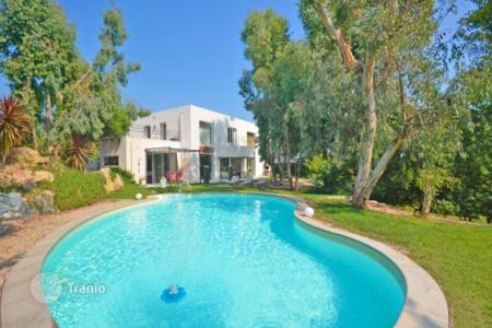 3 bedroom houses for sale in Cannes. Villa – Cannes, Côte d'Azur (French Riviera), France