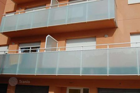 Foreclosed 3 bedroom apartments for sale in Costa Dorada. Apartment – Constantí, Catalonia, Spain