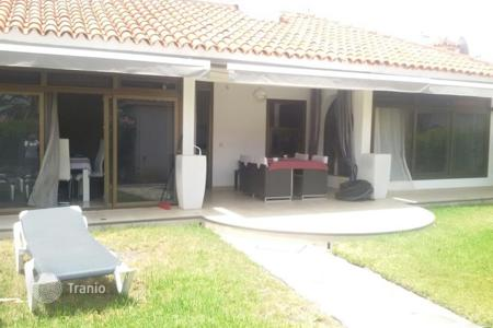 2 bedroom houses for sale in Canary Islands. Renovated Large Corner Bungalow