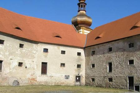 Cheap houses for sale in Central Europe. Castle – South Bohemian Region, Czech Republic