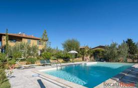 Luxury 4 bedroom houses for sale in Tuscany. Stone two-storey villa in the historic center of Pienza, Tuscany, Italy