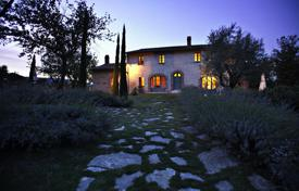 6 bedroom houses for sale in Tuscany. Country house for Sale in Tuscany, Cetona