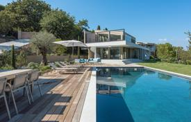 Saint-Tropez — Beautiful Contemporary Villa. Price on request