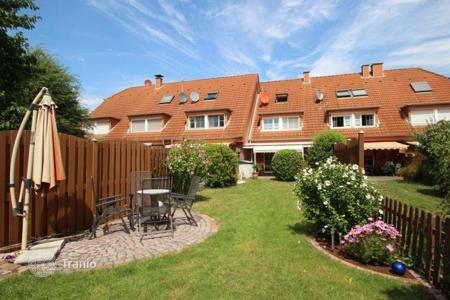 3 bedroom houses for sale in Germany. Low-energy cottage with garden and terrace in Cologne
