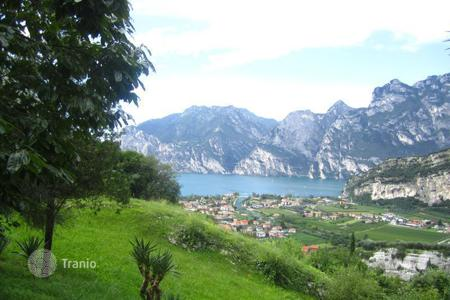 Luxury houses for sale in Nago-torbole. Townhome – Nago-torbole, Trentino — Alto Adige, Italy