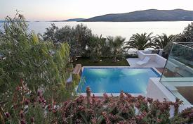 5 bedroom houses for sale in Croatia. Villa – Trogir, Split-Dalmatia County, Croatia