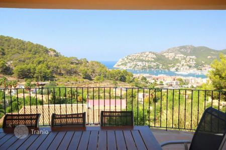 5 bedroom houses for sale in Andratx. Villa with sea views