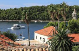 5 bedroom houses for sale in Croatia. Furnished villa with sea view, registered as a cultural heritage, Cavtat, Croatia