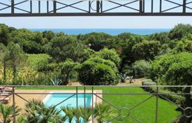Ramatuelle — Lovely property with sea view. Price on request