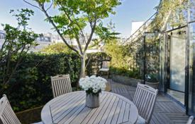 Luxury 3 bedroom apartments for sale in Paris. Paris 17th District – A superb loft-style apartment with a terrace