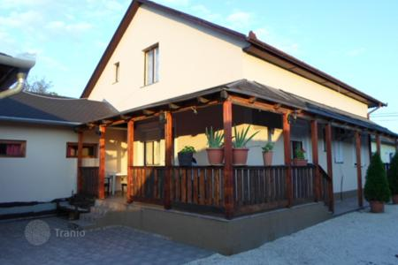 Property for sale in Monor. Detached house – Monor, Pest, Hungary