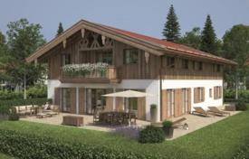 Luxury 3 bedroom houses for sale in Central Europe. Beautiful house with spacious rooms, Rottach-Egern, Germany