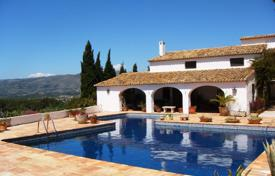 5 bedroom houses for sale in Benissa. 300-years-old finca of 5 bedrooms completely restored with pool in Benissa