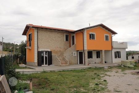 4 bedroom houses by the sea for sale in Abruzzo. Villa with two apartments, a plot of land and panoramic views of the sea and mountains in Nereta, Italy