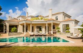 5 bedroom houses for sale in Faro. Cozy Villa with covered terraces and swimming pool, in a quiet area, Almancil, Portugal
