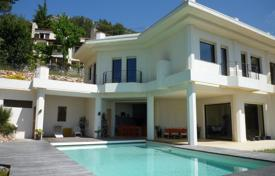 Luxury houses with pools for sale in La Turbie. Villa – La Turbie, Côte d'Azur (French Riviera), France