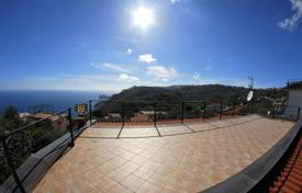 Coastal houses for sale in Campania. MASSA LUBRENSE TORCA In an exclusive setting, for panoramic view and prestige residential characterized by elegant hom[…]