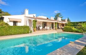 5 bedroom houses for sale in Villeneuve-Loubet. Villa – Villeneuve-Loubet, Côte d'Azur (French Riviera), France