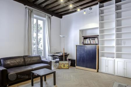 Cheap apartments for sale in Ile-de-France. Paris 4th District – A perfect pied a terre