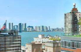 4 bedroom apartments for sale in North America. Spacious apartment with panoramic views of the Hudson River in the building of eco-friendly materials, Manhattan, New York