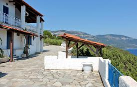 4 bedroom houses by the sea for sale in Corfu. Detached house – Corfu, Administration of the Peloponnese, Western Greece and the Ionian Islands, Greece