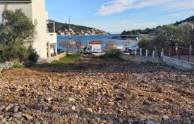 Vinisce, first row to the sea, building land for 140,000 €