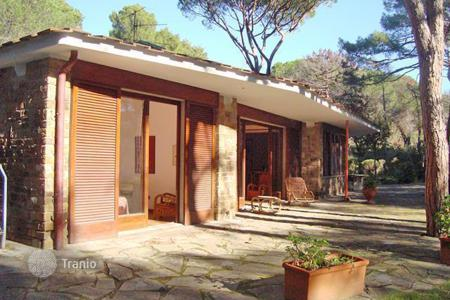 5 bedroom houses by the sea for sale in Castiglione della Pescaia. Villa – Castiglione della Pescaia, Tuscany, Italy