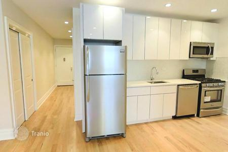 Apartments for rent with swimming pools in New York City. Bennett Avenue