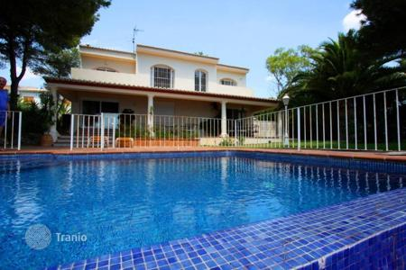 Luxury 4 bedroom houses for sale in Calpe. Villa – Calpe, Valencia, Spain