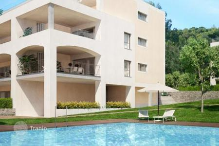 Apartments with pools for sale in Majorca (Mallorca). Apartments in Santa Ponsa
