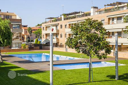 Townhouses for sale in Costa del Maresme. Terraced house – Sant Andreu de Llavaneres, Catalonia, Spain