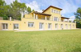 Luxury property for sale in Majorca (Mallorca). Luminous villa with a swimming pool and a gym, Esporlas, Spain