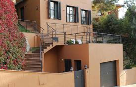 3 bedroom houses for sale in Sant Pol de Mar. Detached house – Sant Pol de Mar, Catalonia, Spain