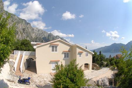 Coastal houses for sale in Kotor (city). Villa - Kotor (city), Kotor, Montenegro
