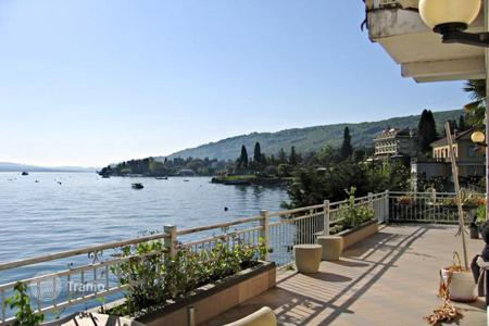 5 bedroom houses by the sea for sale in Piedmont. Villa – Piedmont, Italy