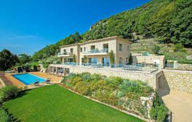 Villas and houses to rent in Tourrettes-sur-Loup. Tourrettes-sur-Loup — Recently built villa with panoramic view