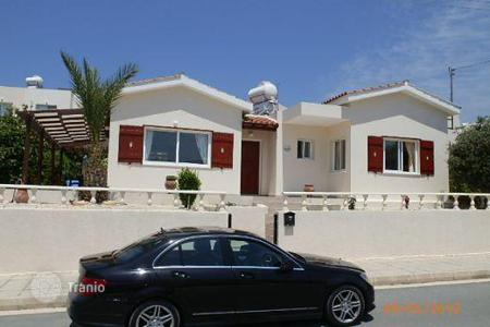 Chalets for sale in Peyia. 3 Bedroom Bungalow Fantastic Sea Views — Peyia