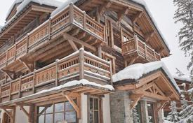 Villas and houses for rent with swimming pools in Auvergne-Rhône-Alpes. Chalet – Courchevel, Auvergne-Rhône-Alpes, France