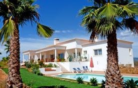Residential for sale in Portimao. Modern country villa with panoramic sea & mountain views, Mexilhoeira Grande, Portimão