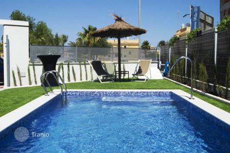 Houses with pools from developers for sale in Southern Europe. Spacious villas near the sea in Siudad Cesada