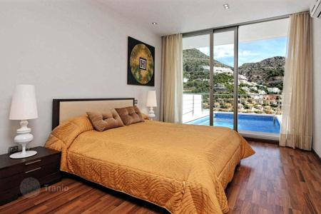 Bank repossessions apartments in Valencia. Villa with mountains views in Altea in Costa Blanca