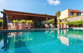 Villas and houses to rent in Gran Canaria. Villa – Gran Canaria, Canary Islands, Spain