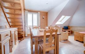 2 bedroom apartments for sale in Haute-Savoie. Top floor duplex with a balcony in the center of Morzine, France