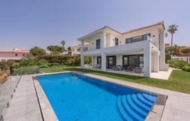 Luxury 4 bedroom houses for sale in Marbella. Impressive Brand New Modern Villa, Artola Alta, Marbella East (Marbella)