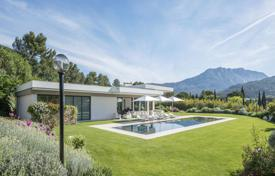 Residential for sale in Bouches-du-Rhône. Detached house – Aix-en-Provence, Provence — Alpes — Cote d'Azur, France