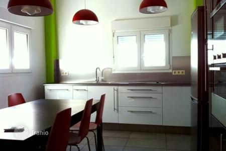 Residential to rent in Cádiz. Detached house – Cádiz, Andalusia, Spain