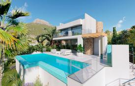 Luxury villa with 6 bedrooms, sea views and close to the beach in Calpe for 2,200,000 €