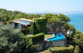 Houses with pools for sale in Gerona (city). Unique villa with a pool, a patio and a terrace overlooking the sea, on top of a cliff, Begur, Spain