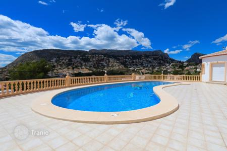 Luxury 5 bedroom houses for sale in Costa Blanca. Villa - Calpe, Valencia, Spain